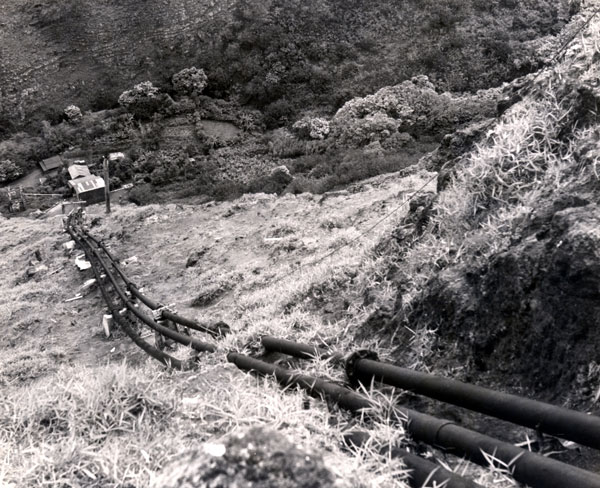 1948_HAPCo_Maunalei_Pipe-Pump_House_DelRosario_Coll